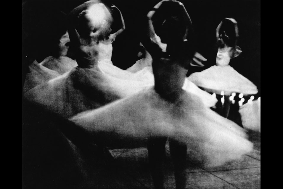 Alexey-Brodovitch-1898-1971-Untitled-from-the-Ballet-series-Les-Sylphides Alexey Brodovitch, BALLET, 1945