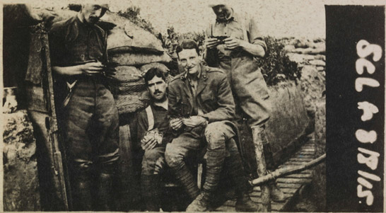 snapshot-of-british-soldiers-in-a-trench1 VPK - la fotocamera del soldato